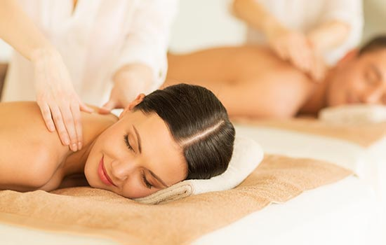 two-people-massage